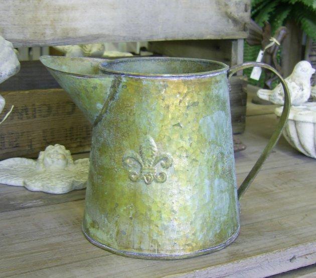 Gie kanne fleur de lis metall antik nostalgie landhausstil for Stilvolle gartendeko