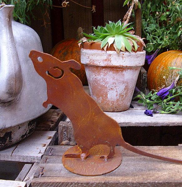 Deko figur neugierige maus metall 7b rost patina for Gartenaccessoires rost