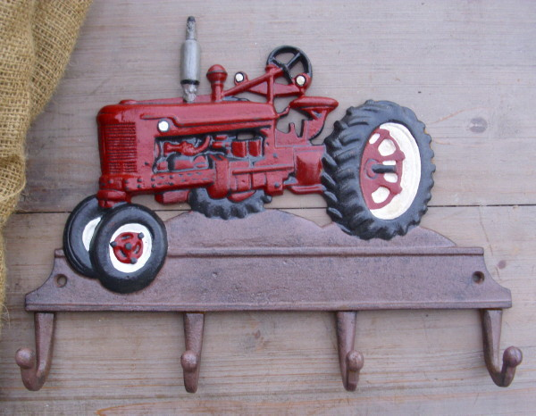 garderobe haken traktor mc cormick farmall h schlepper. Black Bedroom Furniture Sets. Home Design Ideas