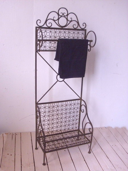 bad stand handtuchhalter antik landhausstil mit ablage. Black Bedroom Furniture Sets. Home Design Ideas