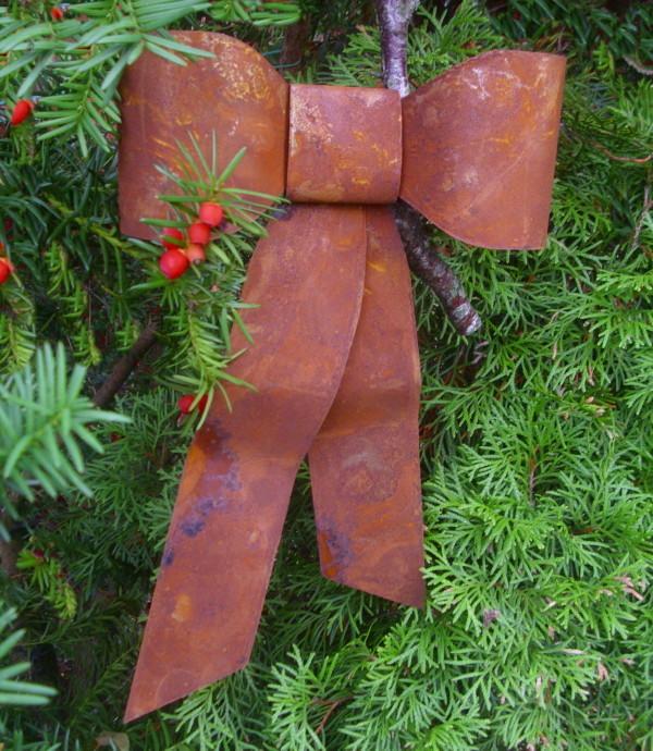 Deko schleife metall rost winterdeko t rkranz landhausstil for Gartenaccessoires rost