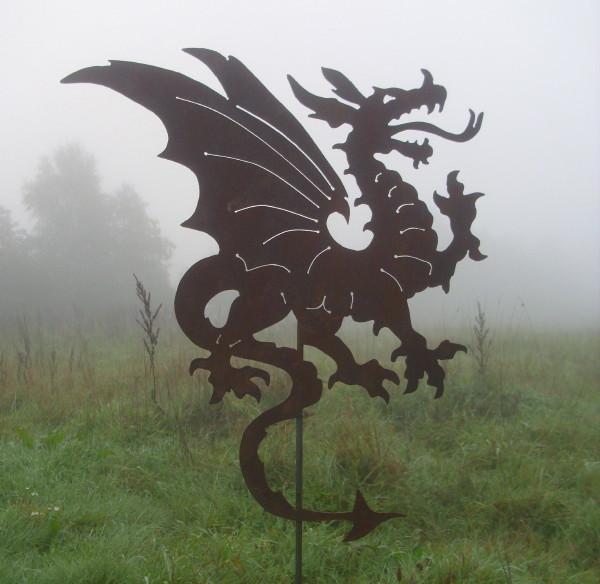 Grosser gartenstecker drache metall mit stab rost patina for Gartenaccessoires aus rost