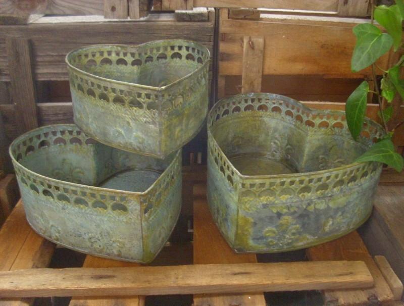 3er set pflanzschale dekoschale herz landhausstil metall for Shop wohnaccessoires