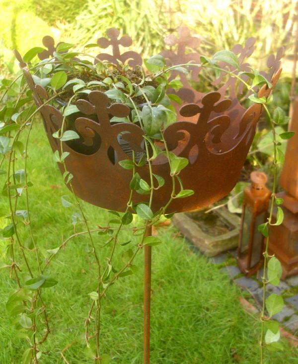 Pflanzstecker krone rankhilfe pflanzkrone gartendeko deko for Gartenaccessoires rost