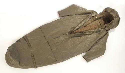 bundeswehr schlafsack mit rmel gebr juwa militaria army supermarket lagerverkauf. Black Bedroom Furniture Sets. Home Design Ideas