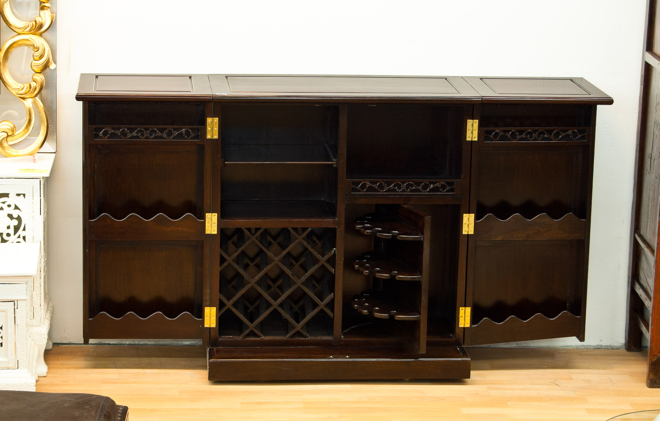 barschrank braun 12 5 2 16 schwarzer elefant. Black Bedroom Furniture Sets. Home Design Ideas