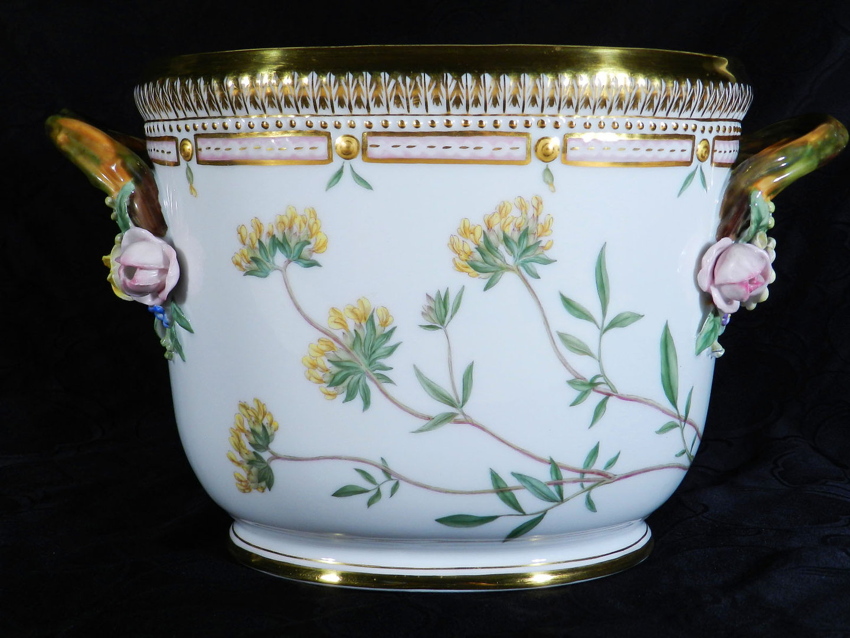 royal copenhagen flora danica porzellan weink hler les styles modernes. Black Bedroom Furniture Sets. Home Design Ideas