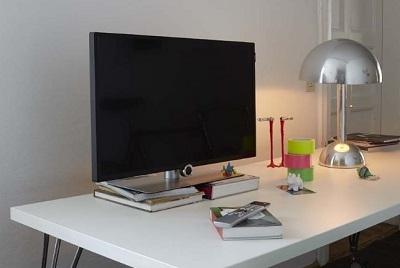 loewe bild 1 neuheit in 32 40 55 und 65 erh ltlich. Black Bedroom Furniture Sets. Home Design Ideas