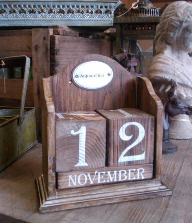 ewiger kalender antik nostalgie landhausstil wohndeko schreibtisch deko holz neu ebay. Black Bedroom Furniture Sets. Home Design Ideas