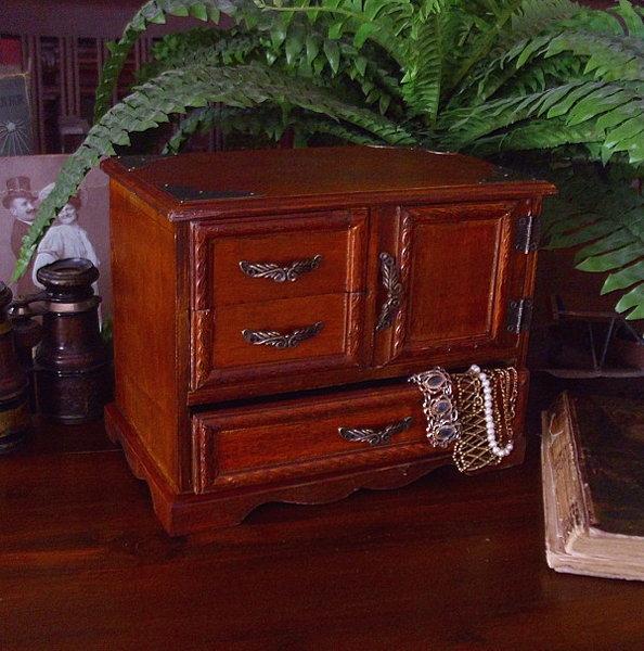 schmuckschatulle scmuckk stchen antik nostalgie. Black Bedroom Furniture Sets. Home Design Ideas
