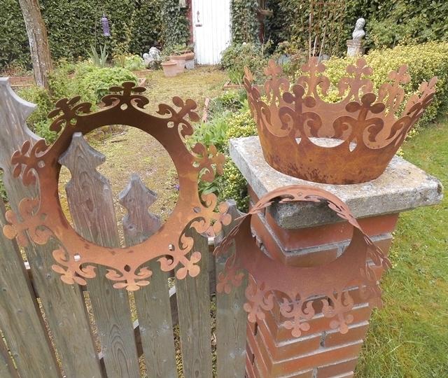 3er set deko krone mit rostpatina metall k nigskrone for Gartenaccessoires aus rost