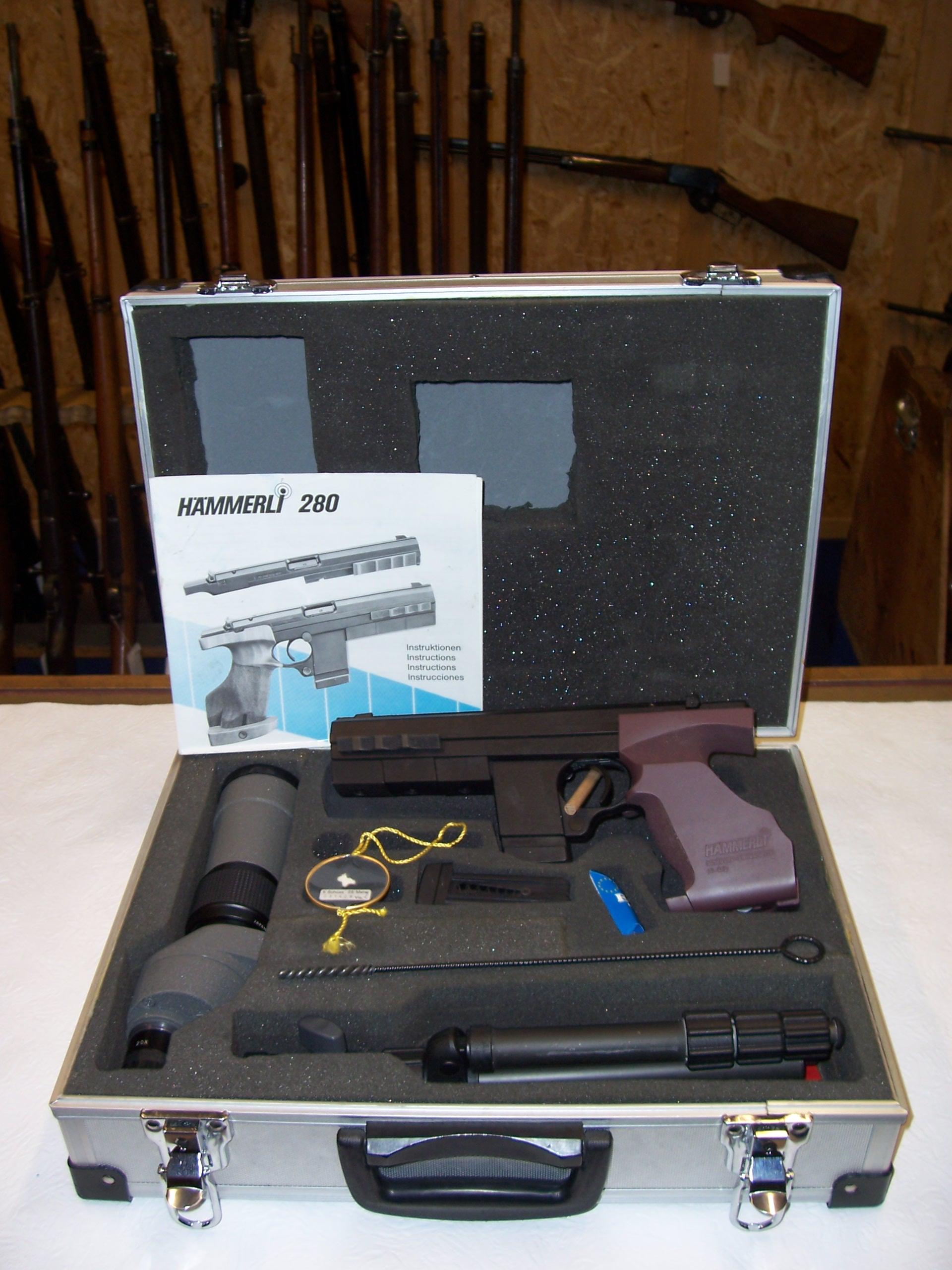 sportpistole h mmerli im kaliber 22l r inkl zubeh r paket made in switzerland. Black Bedroom Furniture Sets. Home Design Ideas