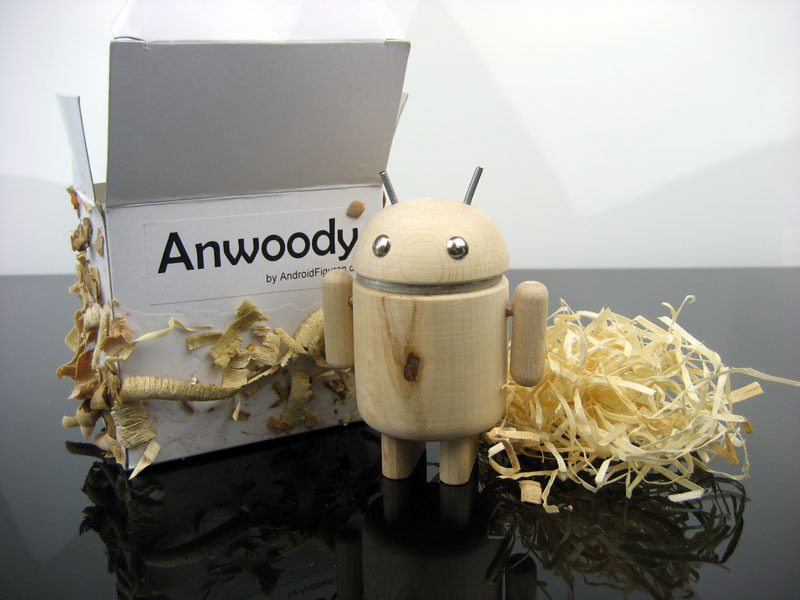AndroidFiguren.de Anwoody Maple Bio Android made by Nature curved out by hand