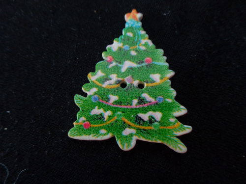 chrismas tree buttons painted