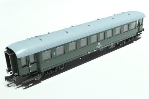 Fleischmann 867714 DR 2nd.cl. passenger car