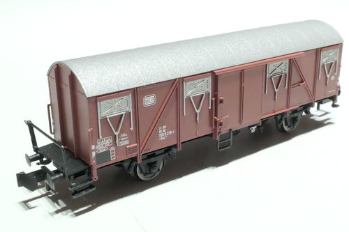 BRAWA 67814 DB 2axl. box car brown