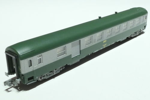 REE Models NW-151 SNCF 2nd baggage passenger car