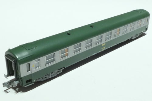REE Models NW-142 SNCF 2nd class passenger car