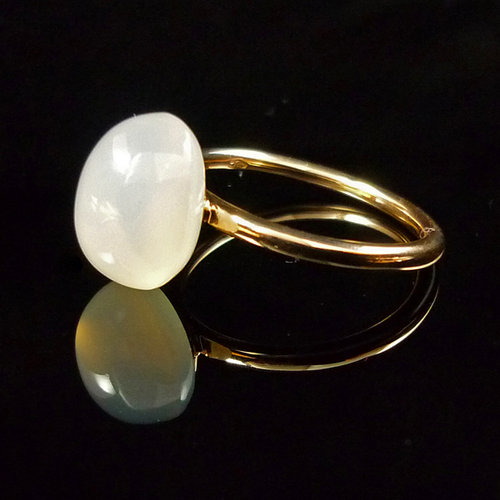 GILARDY GOCCIA ring from 18Ct rosé gold with white chalcedony
