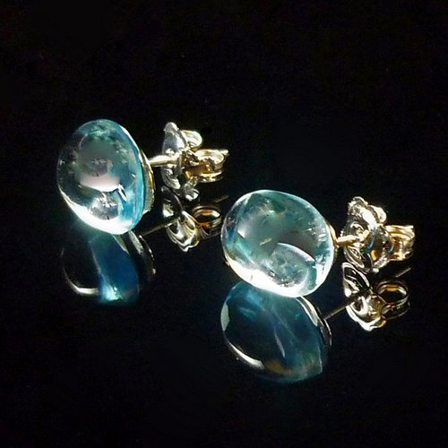 GILARDY GOCCIA earrings from 18Ct white gold with blue topaz