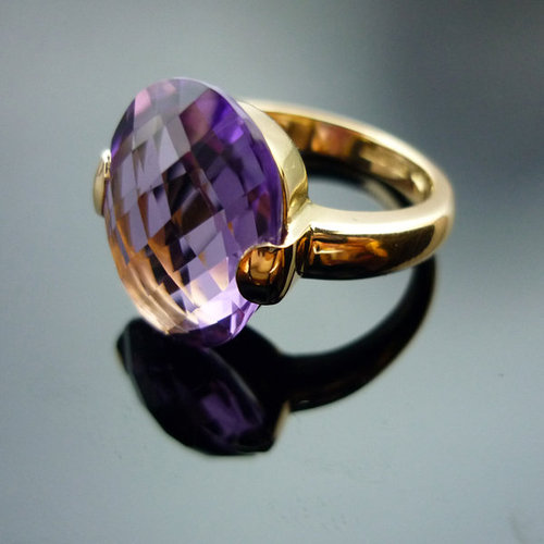 GILARDY CAPRI ring 18Ct rosé gold with oval amethyst