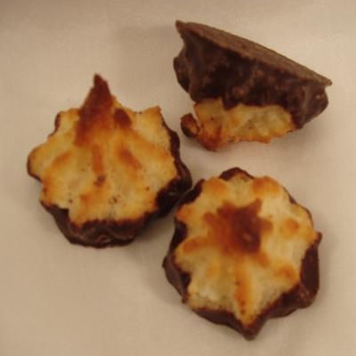 Kokosmakronen mit Zartbitterschokolade