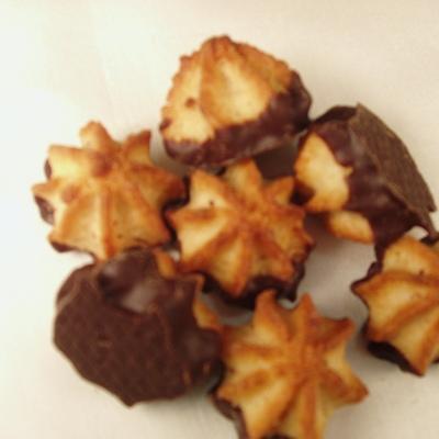 Persipanmakrönchen mit Zartbitterschokolade