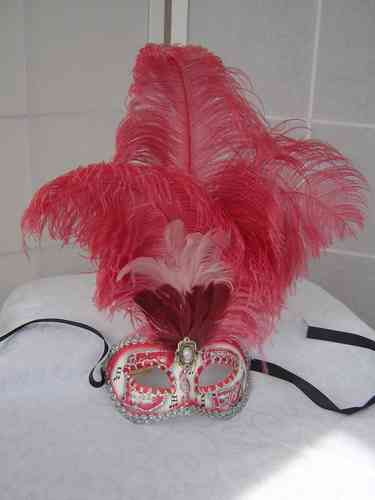 "Venetian colombine mask ""musica"" with red feathers"