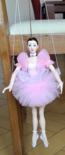 Ballerina-Marionette rosa