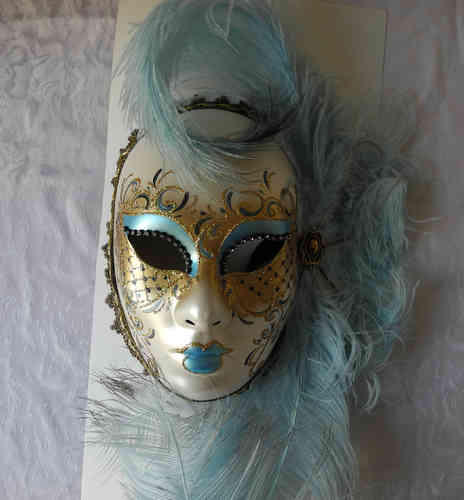 Volto face mask, light blue gold feathers