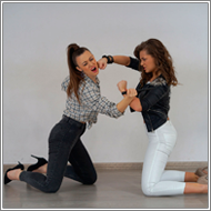 Self-defense with rubber knife - Renee vs Zoe