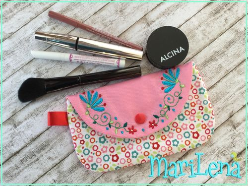 Flower pouch ITH design