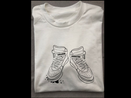 SNS SHIRT SNEAKER ADDICTED