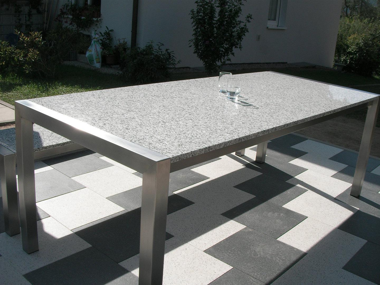 LINUS Grande   Granit Gartentisch   alpgranit