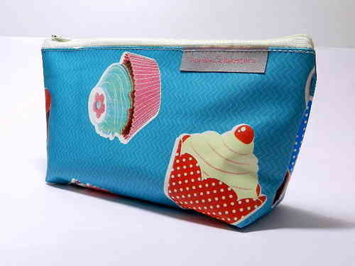 pencil case - TASTY CUPCAKES - waxed cloth