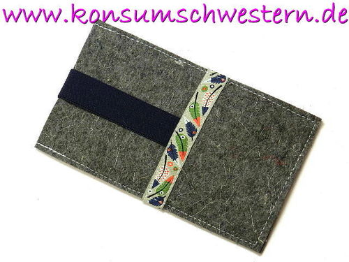 smartphone cover case - FEATHERS - grey felt