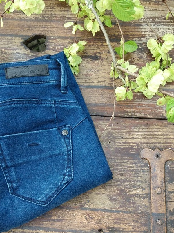 Jeans 'Gina' in Cobalt Vintage Blue - C.O.J. Denim